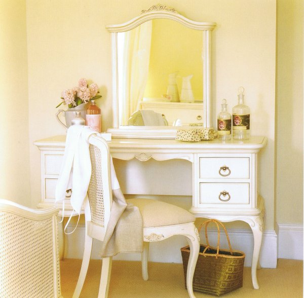 Excellent Ivory Vanity Bedroom Furniture 600 x 588 · 60 kB · jpeg